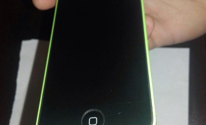 Продам iPhone 5c green 16g