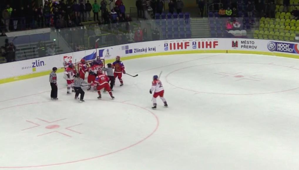 Русские хоккеистки избивали нас клюшками, словно палками— Тренер сборной Чехии