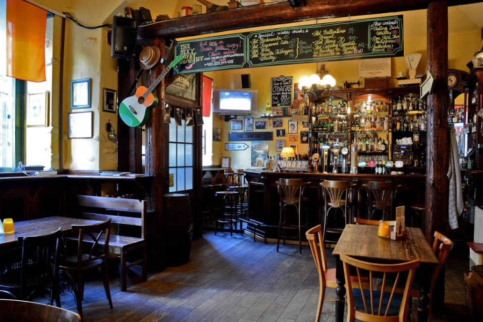 pubs and sports bars in south