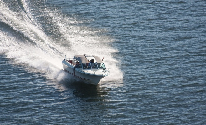 катера и моторные лодки для морей